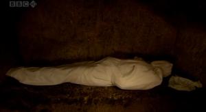 被裹尸布包裹的耶穌屍體樣式